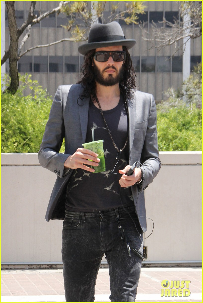 russell brand smoothie 03