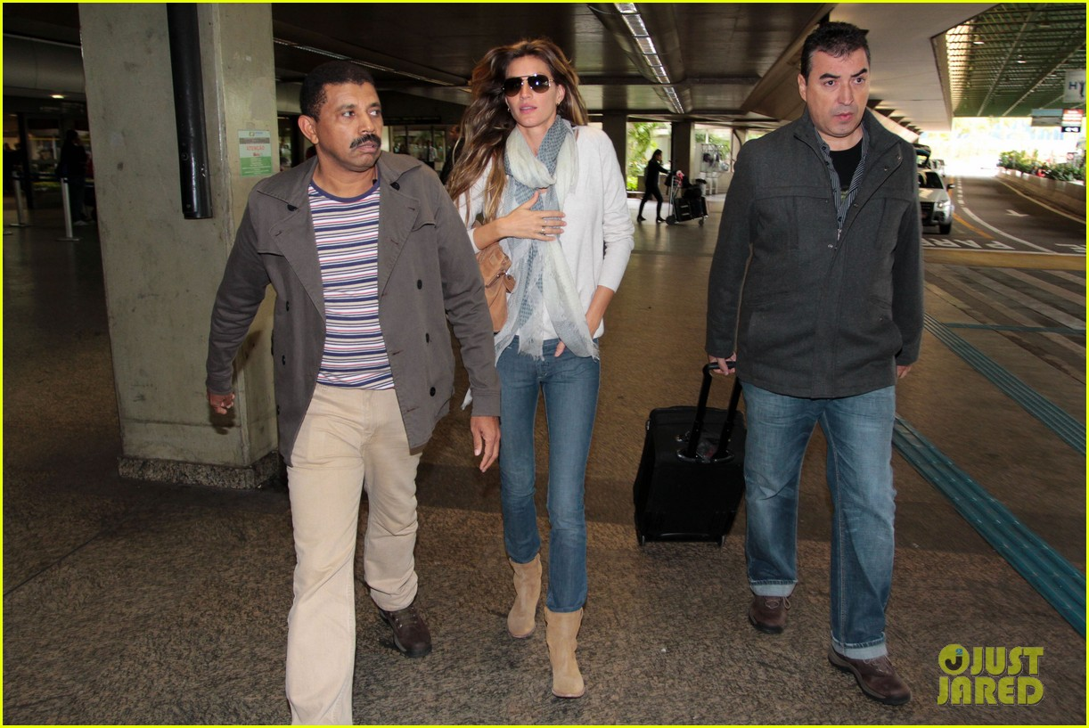 Full Sized Photo of gisele bundchen sao paolo arrival 03 ... Gisele Bundchen