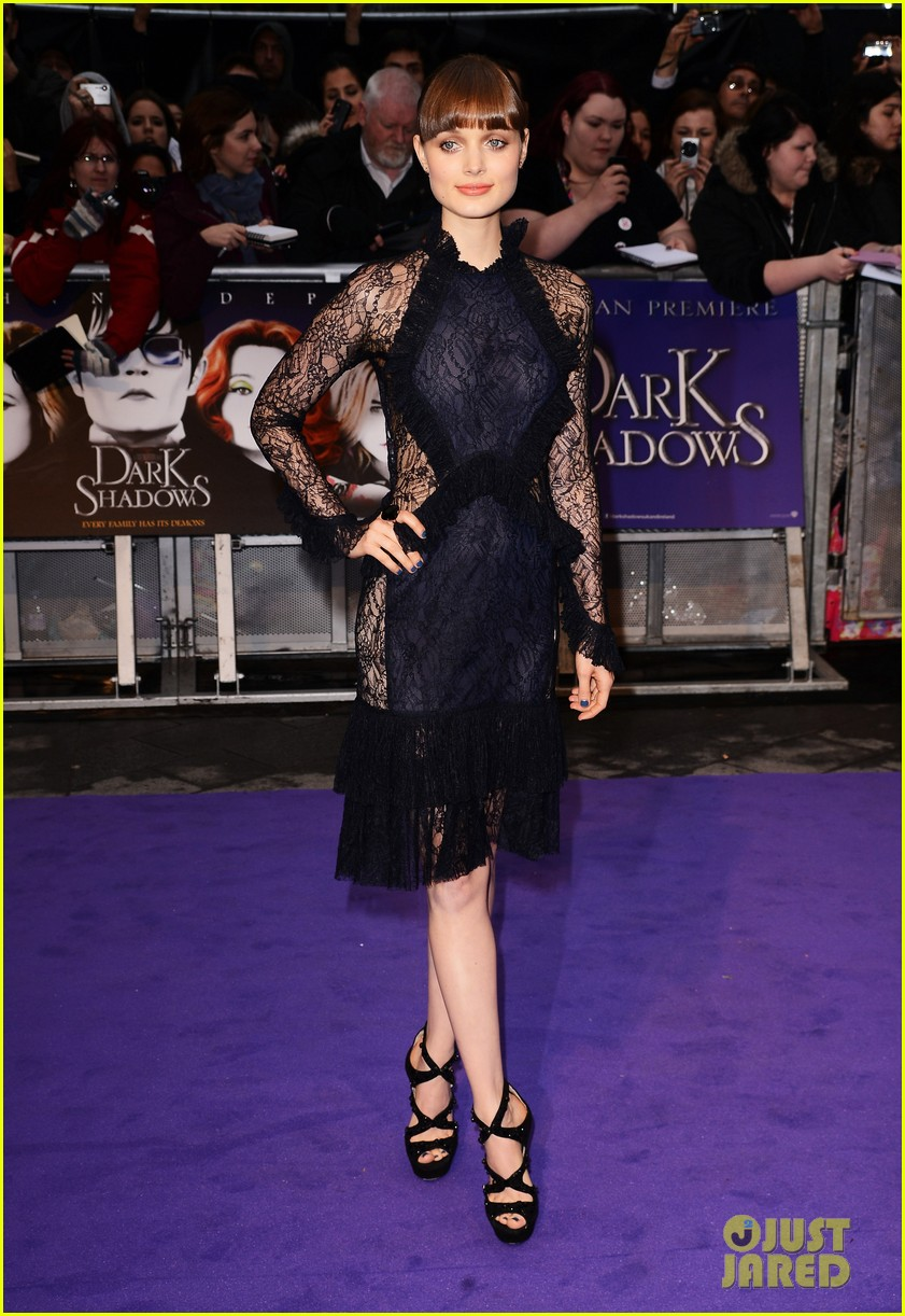 helena bonham carter bella heathcote eva green dark shadows uk premiere 05