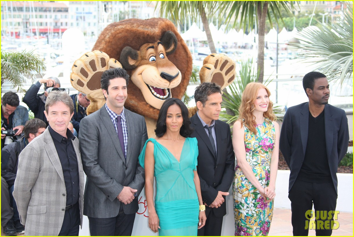 jessica chastain jada pinkett smith madagascar 3 photo call 05