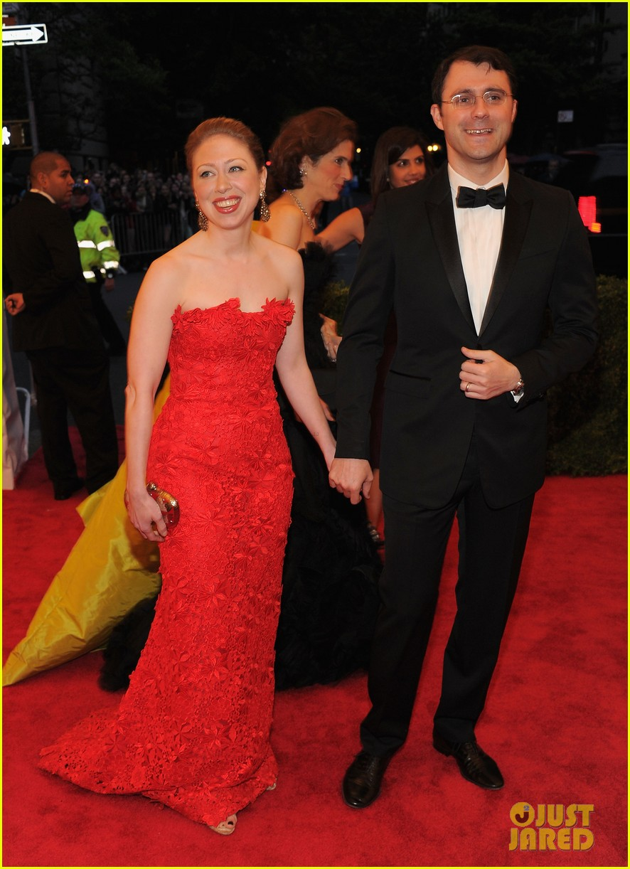 chelsea clinton met ball 2012 02