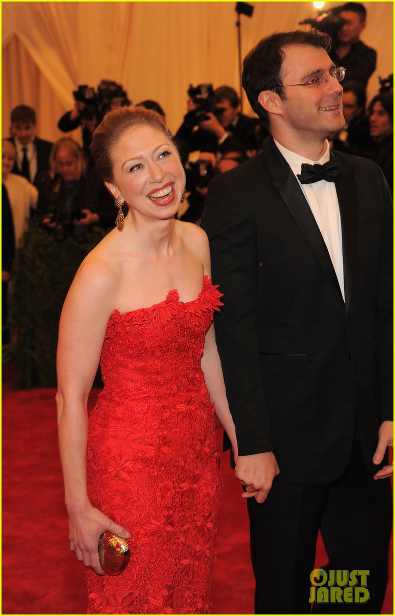 chelsea clinton met ball 2012 04