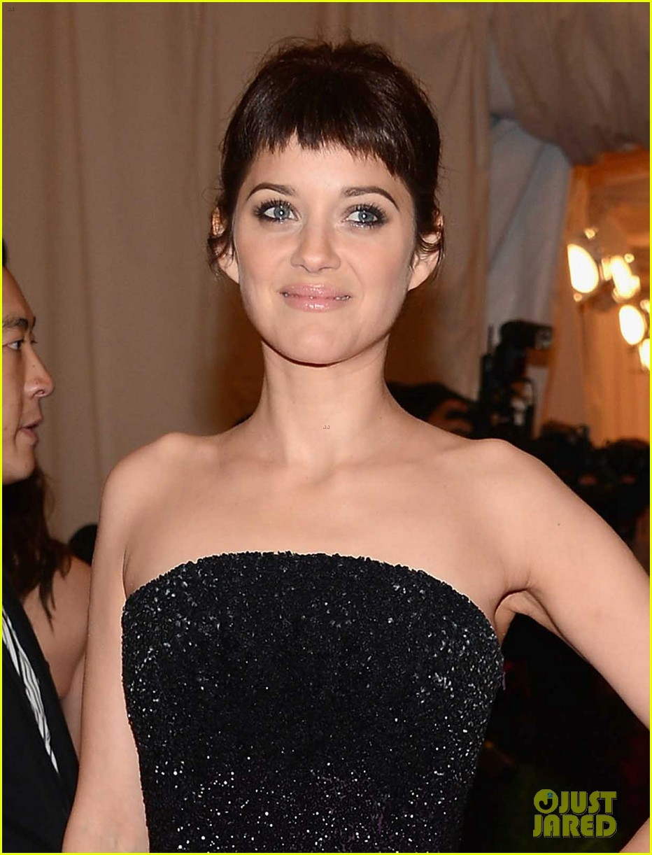 marion cotillard met ball 2012 04