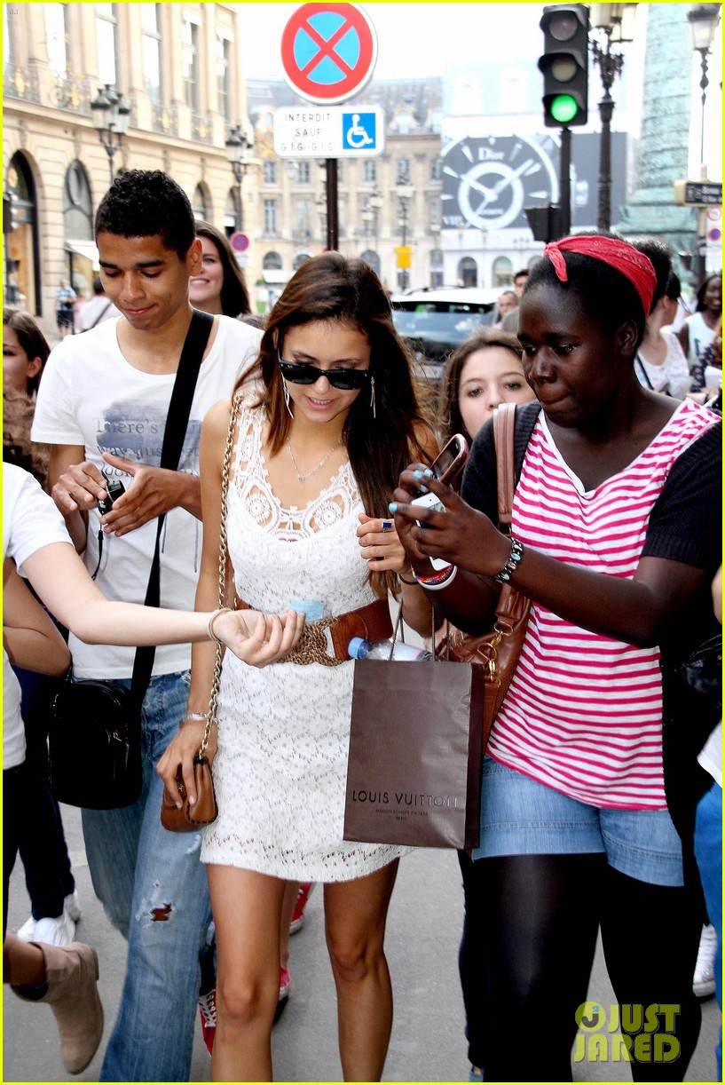 nina dobrev paris shopper 04