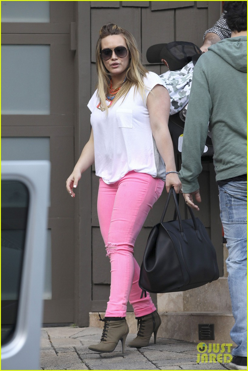 hilary duff house party with family 09