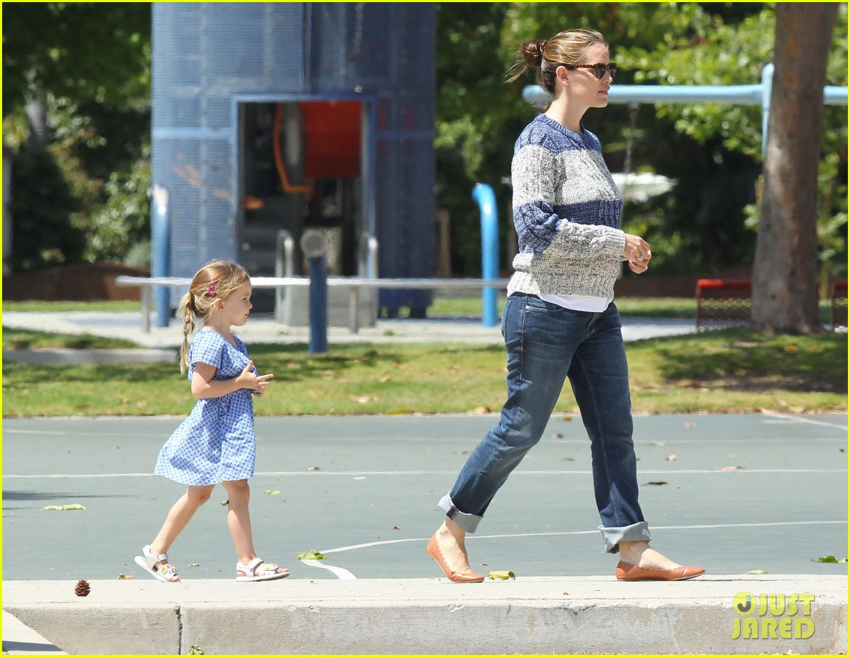 jennifer garner tuesday afternoon seraphina 112662623