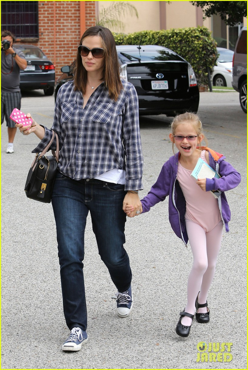 jennifer garner pics of paps 11