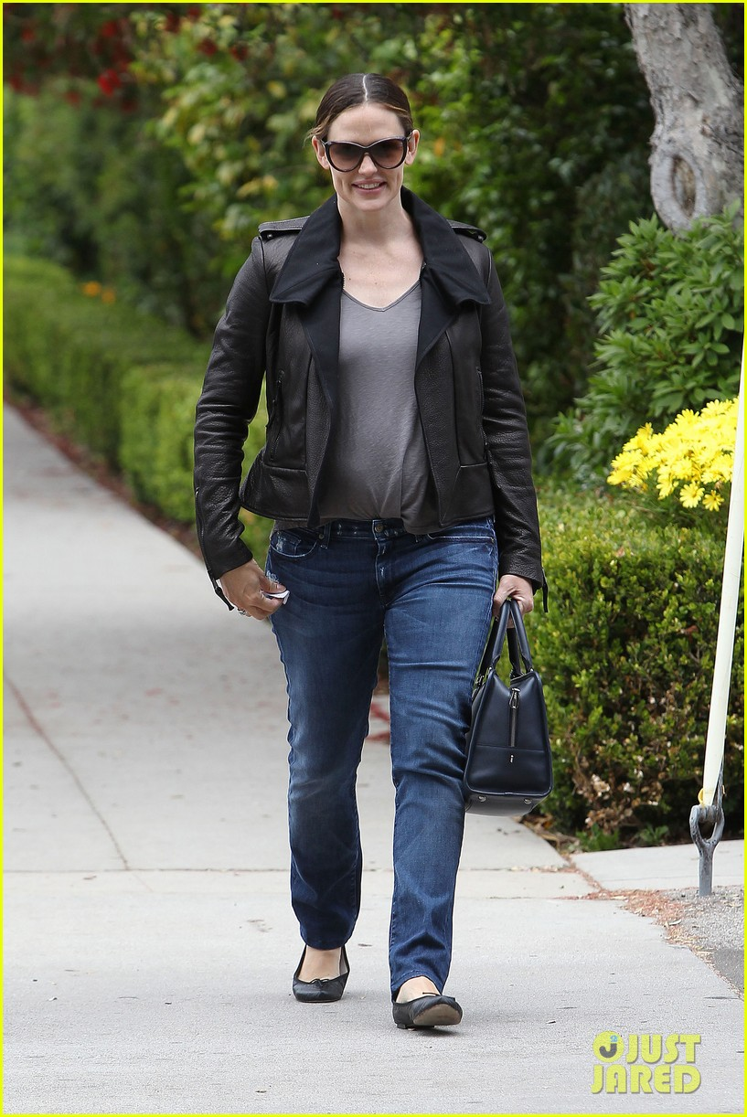 jennifer garner mommy duty 13