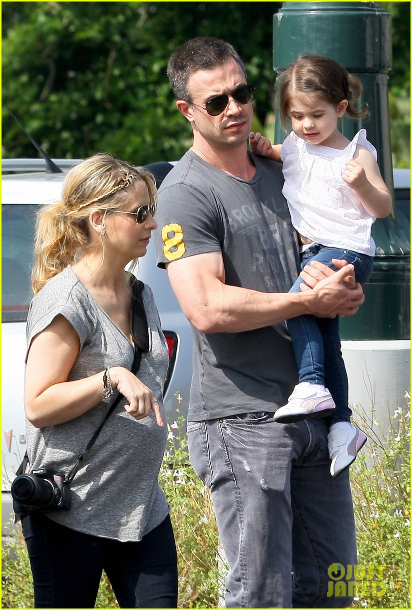 Sarah Michelle Gellar and family