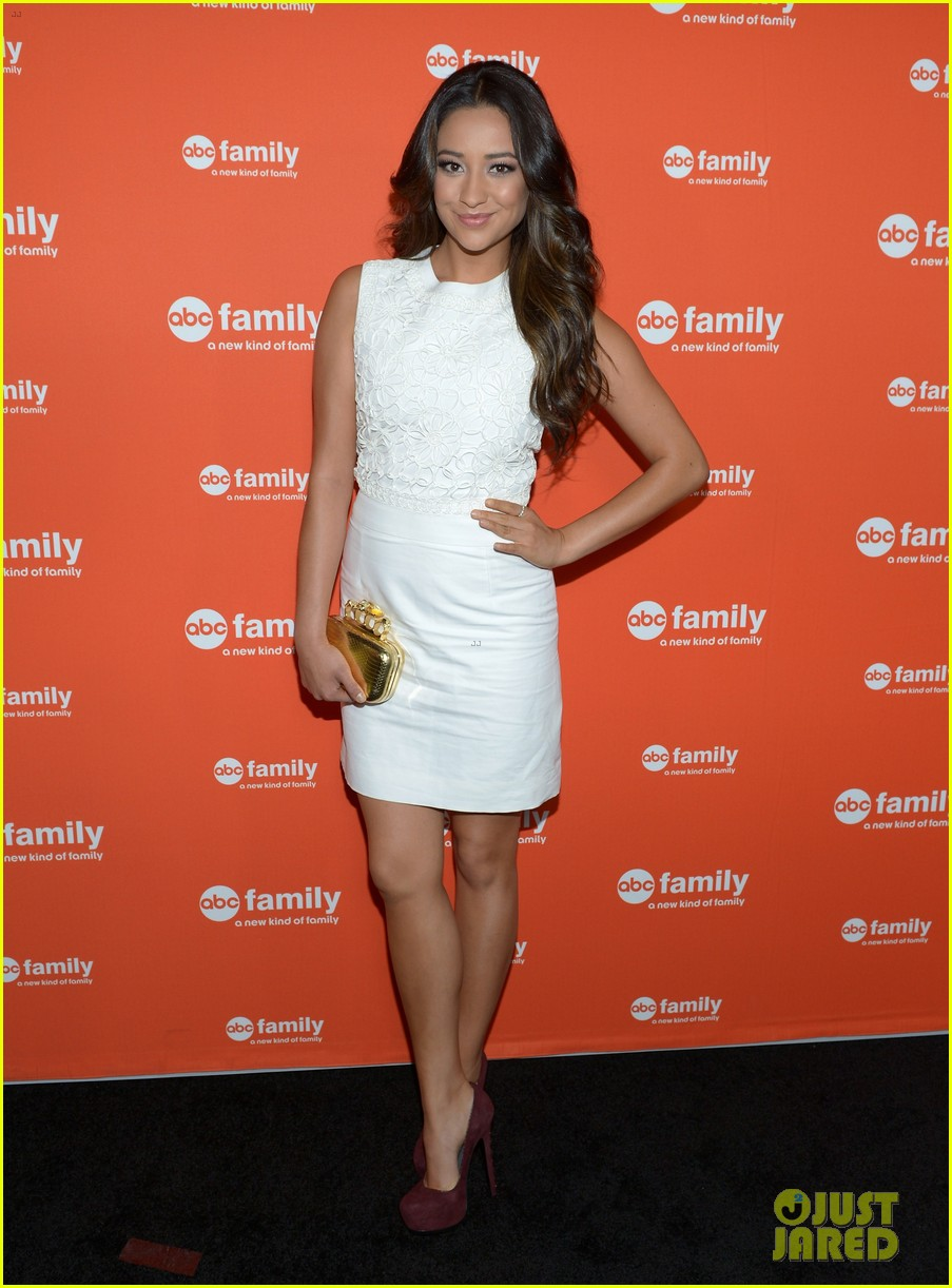 shailene woodley lucy hale abc family upfronts 05