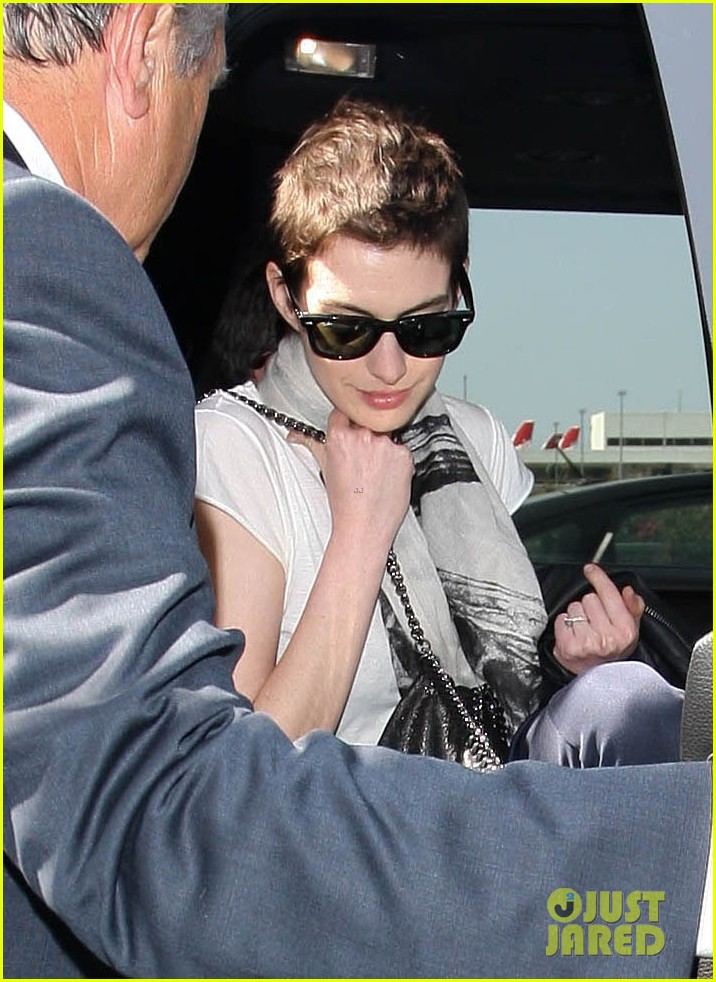 anne hathaway ex released from jail 04