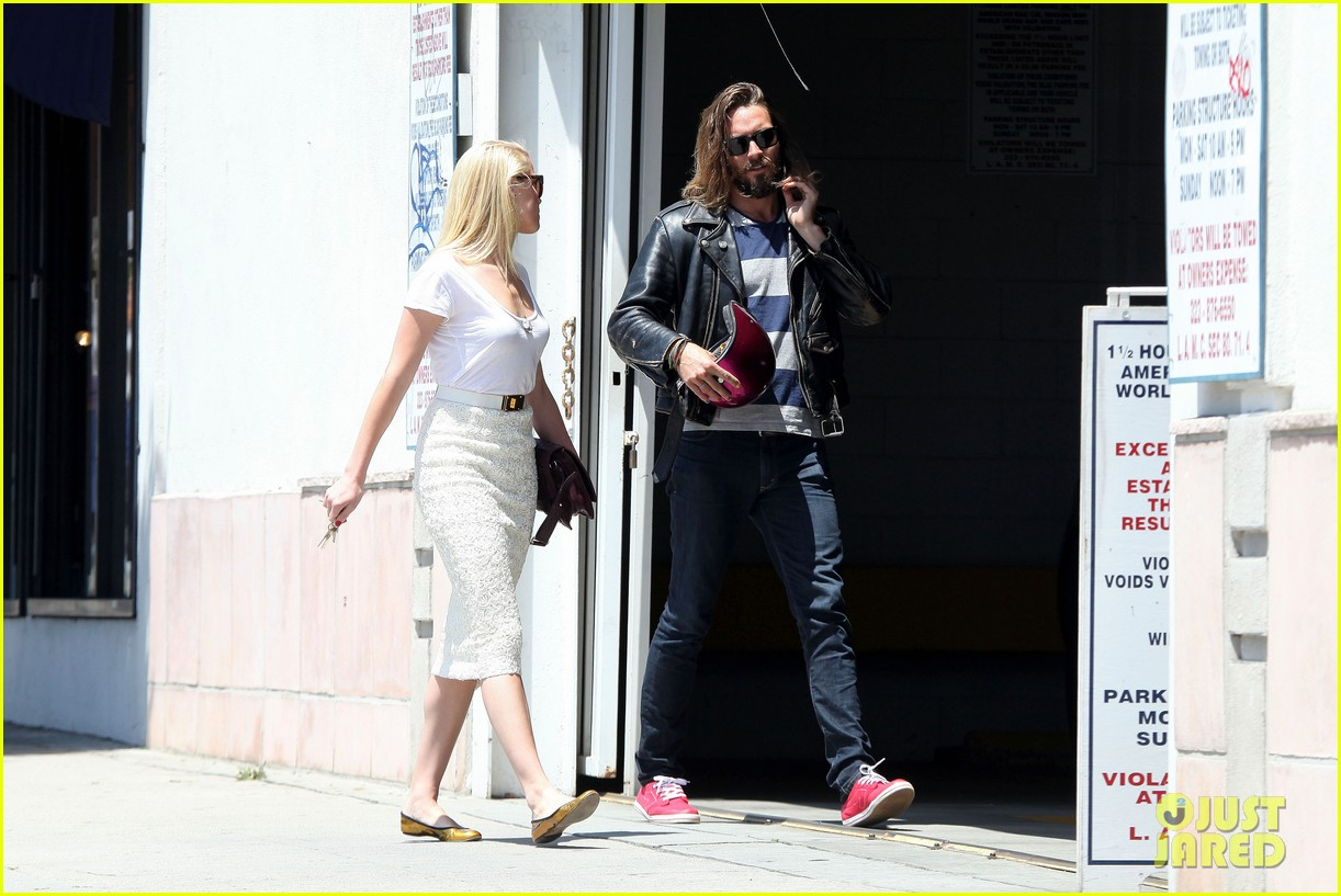 amber heard lunch with pal 12