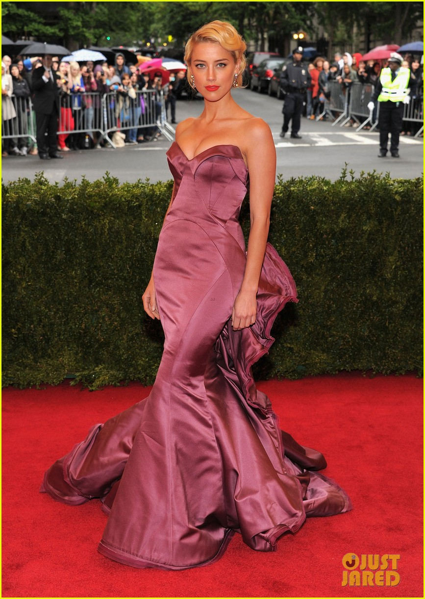amber heard met ball 2012 012658351