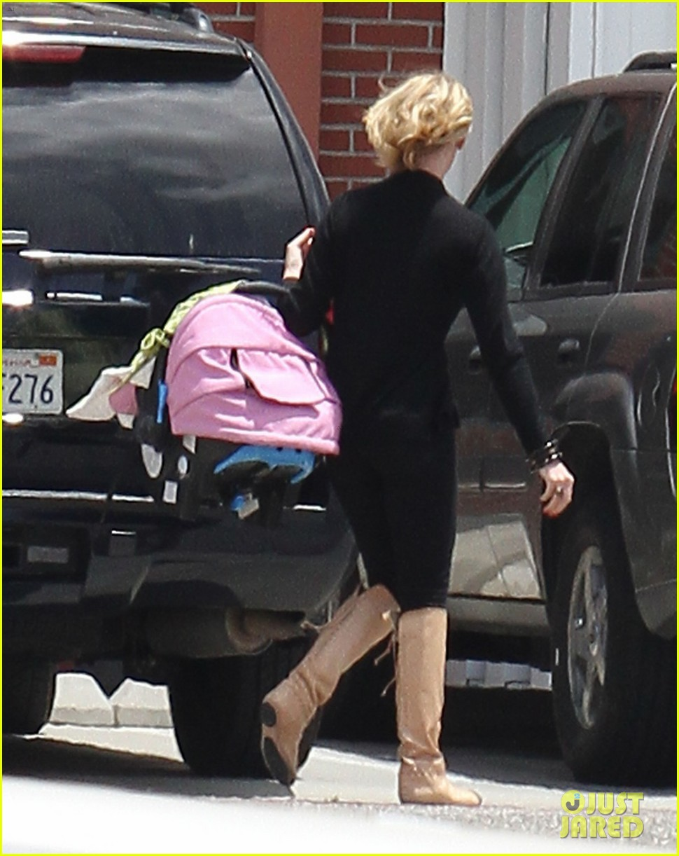 katherine heigl takes off with baby adalaide 152667168
