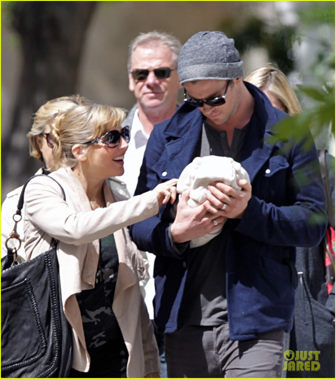 chris hemsworth elsa pataky baby india london 01