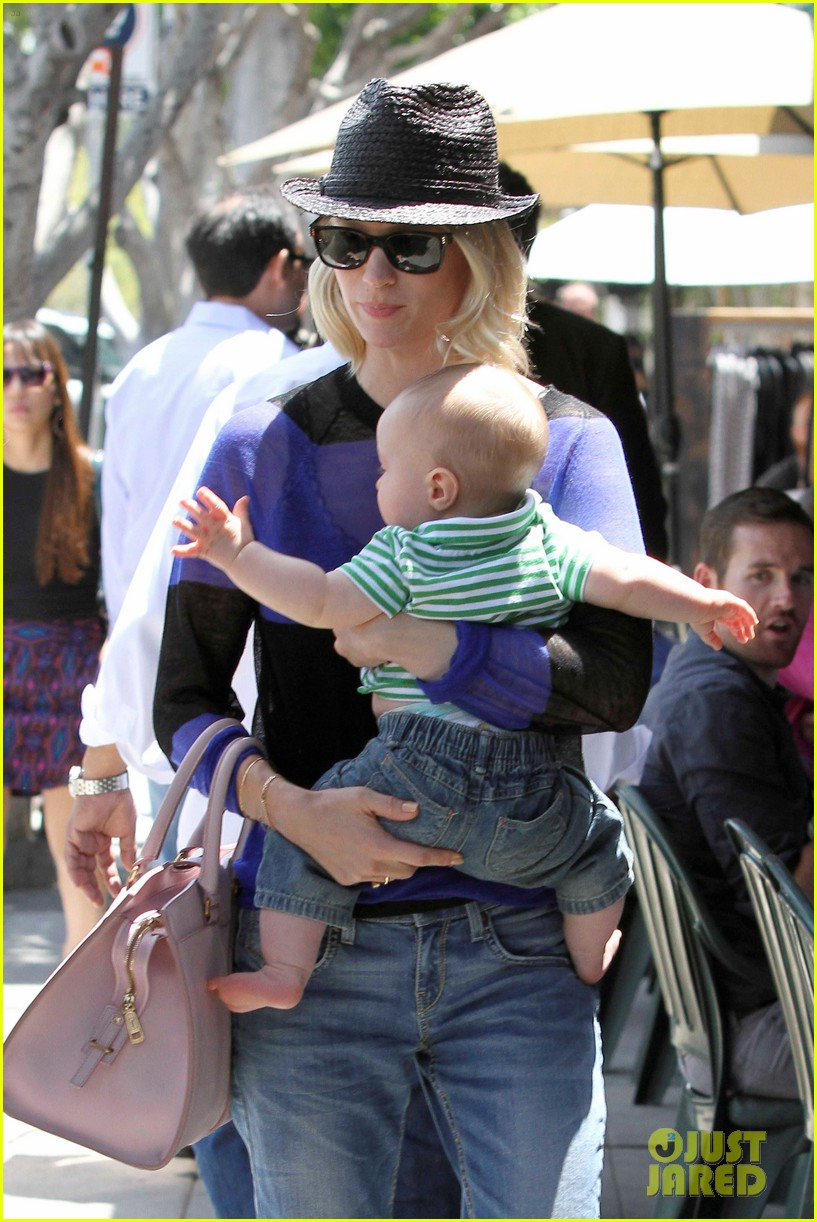 january jones lunch with xander 17