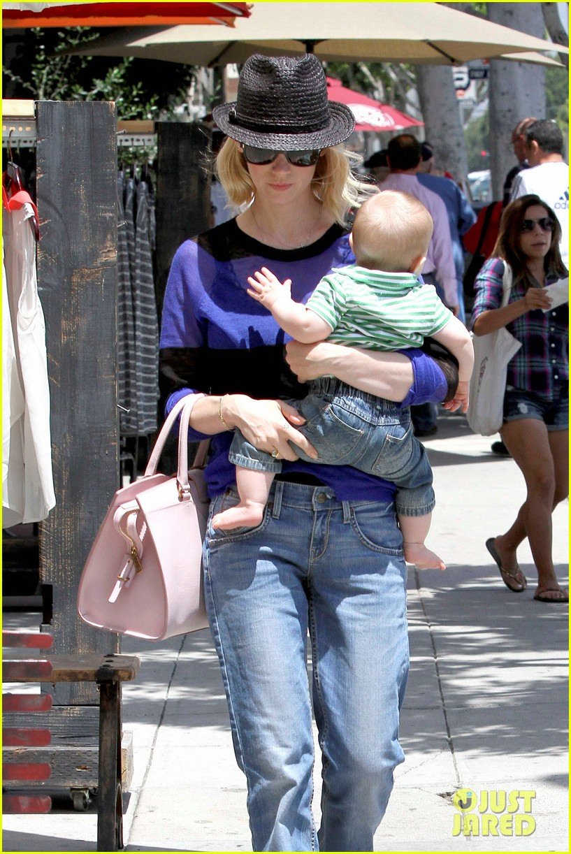 january jones lunch with xander 19