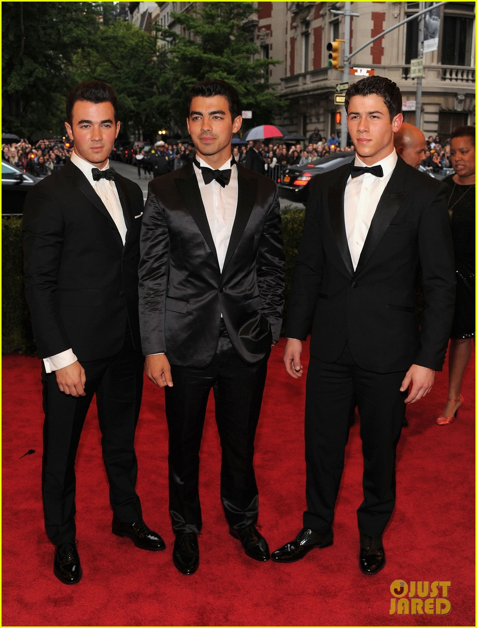 jonas brothers met ball 2012 032658821