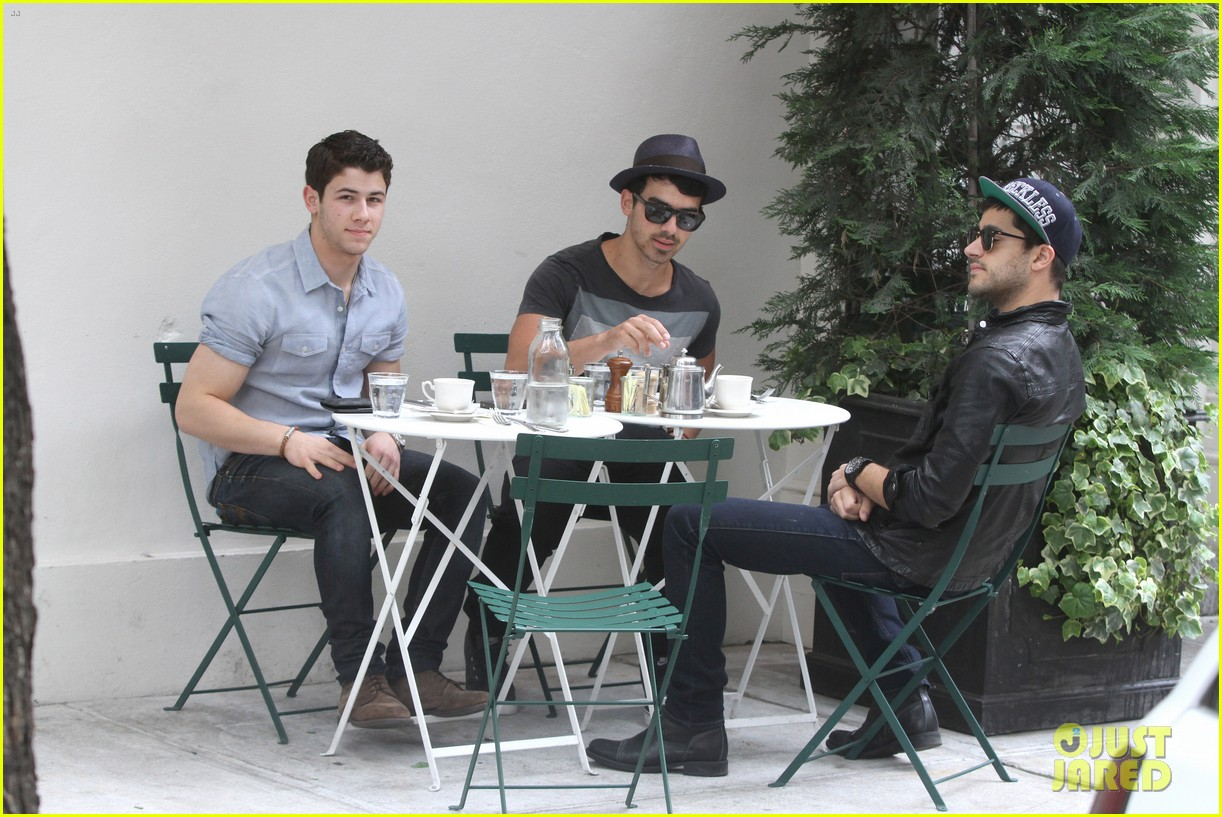 jonas brothers met ball 2012 11