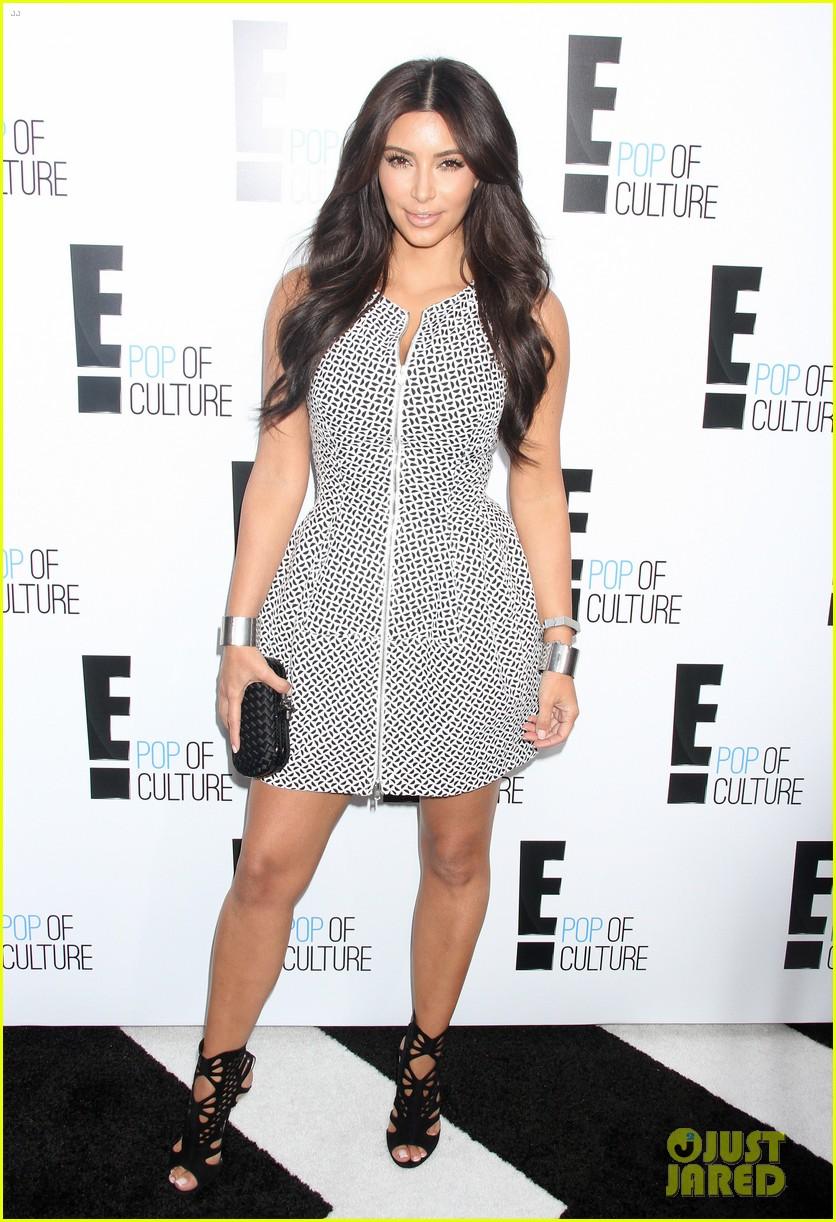 kim kardashian kelly osbourne e upfronts 2012 01