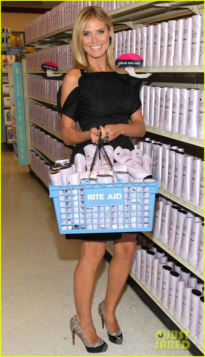 Heidi klum shampoo bottle fun 3