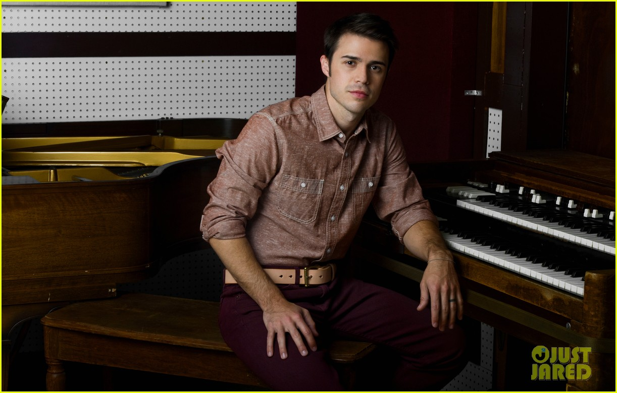 kris allen just jared photo shoot 032668836