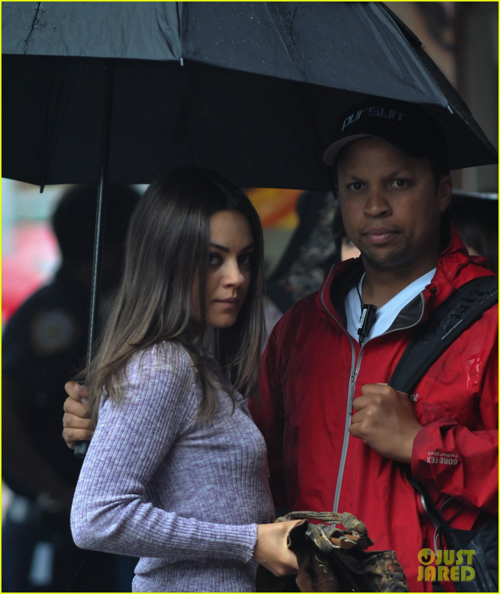 kunis umbrella day 03