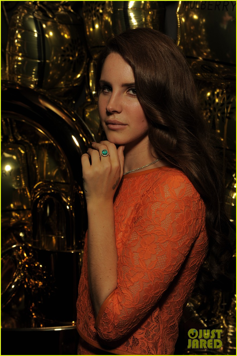 lana del rey frieze projects performance 03