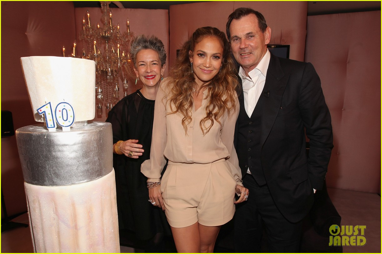 jennifer lopez glowing by jlo launch event 10