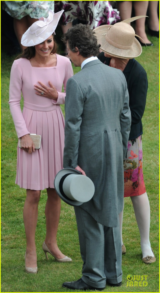 kate middleton buckingham tea party 16