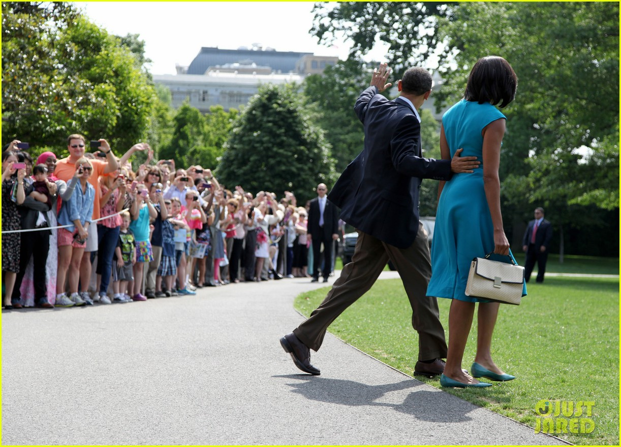 barack michelle obama white house arrival 082658184