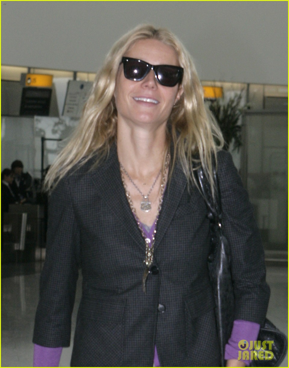 gwyneth paltrow heathrow departure 02