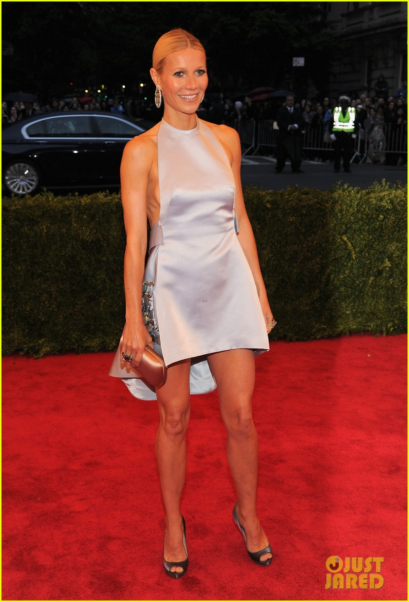gwyneth paltrow met ball 2012 01