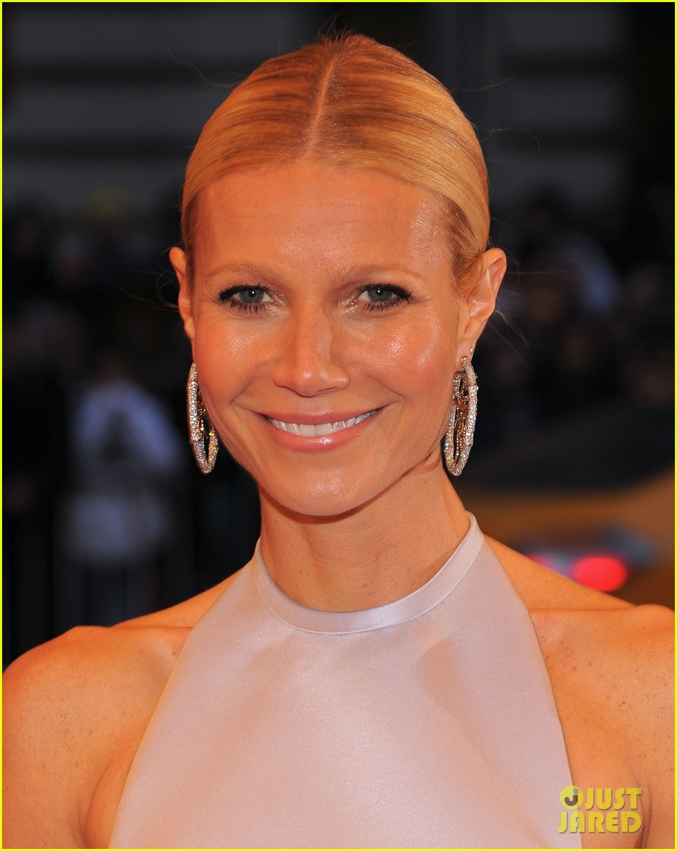 gwyneth paltrow met ball 2012 02