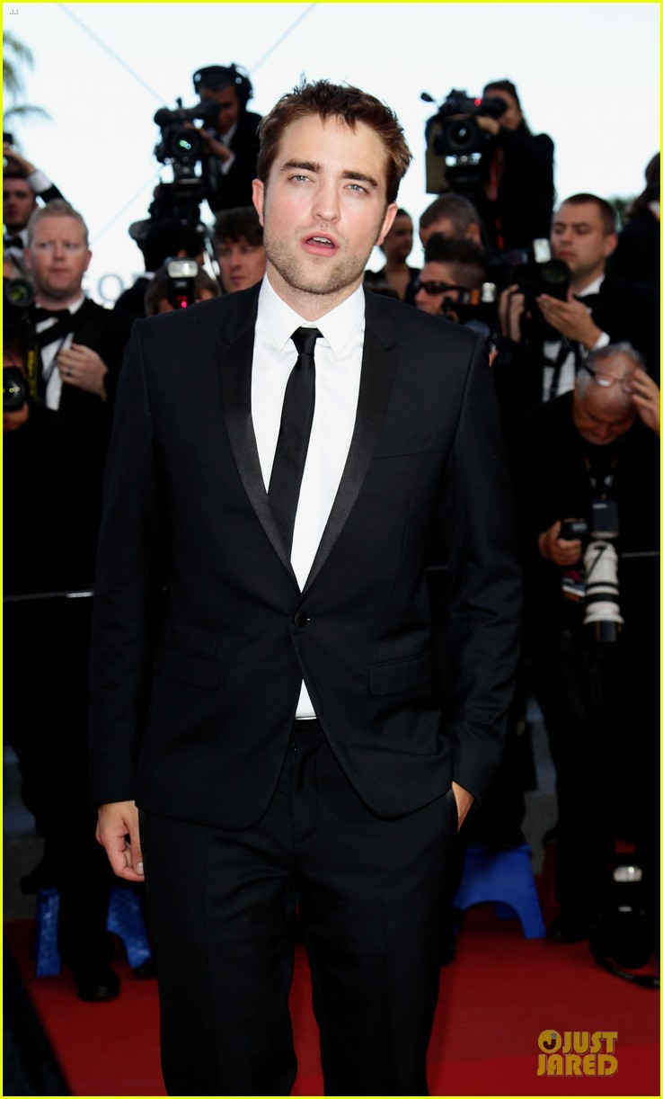 robert pattinson on road cannes premiere 032665737
