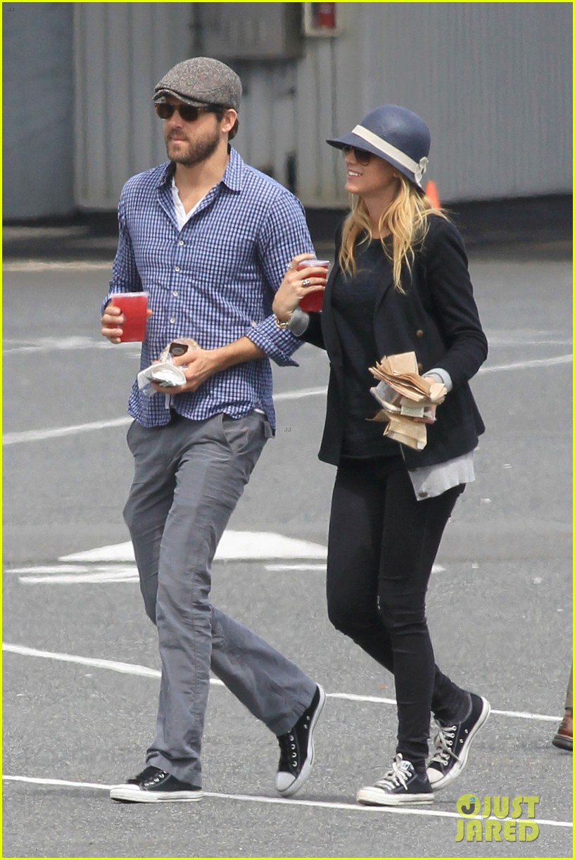 ryan reynolds blake lively ferry ride 06