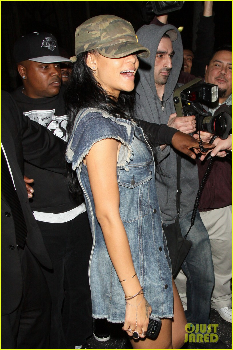 rihanna nyc night out 04