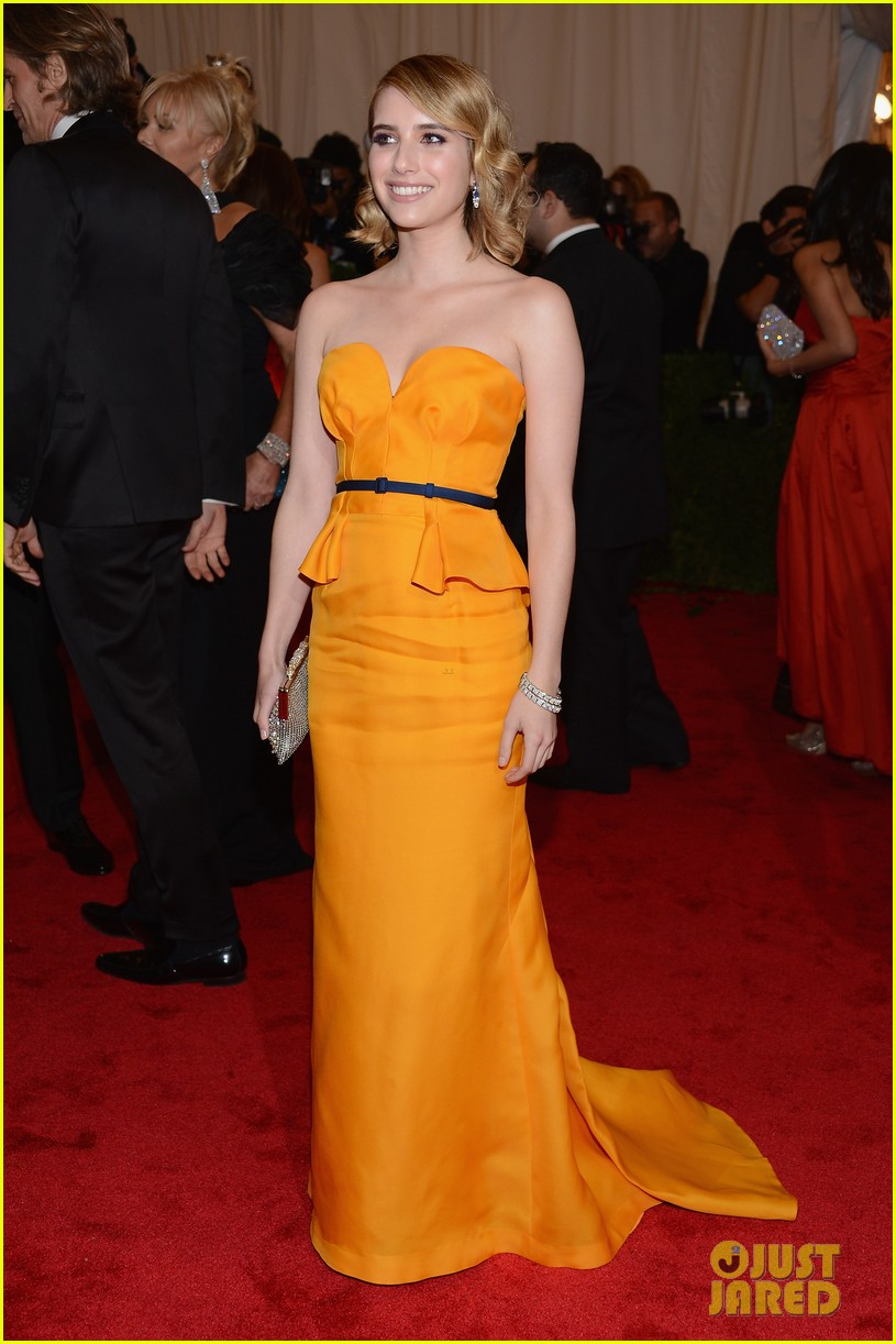 emma roberts 2012 met ball 03