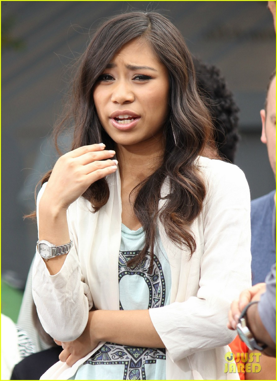 american idol jessica sanchez glad phillip phillips won 13