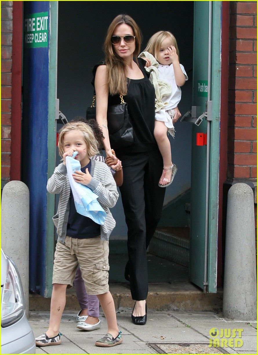 happy sixth birthday shiloh jolie pitt pictures through the years 13