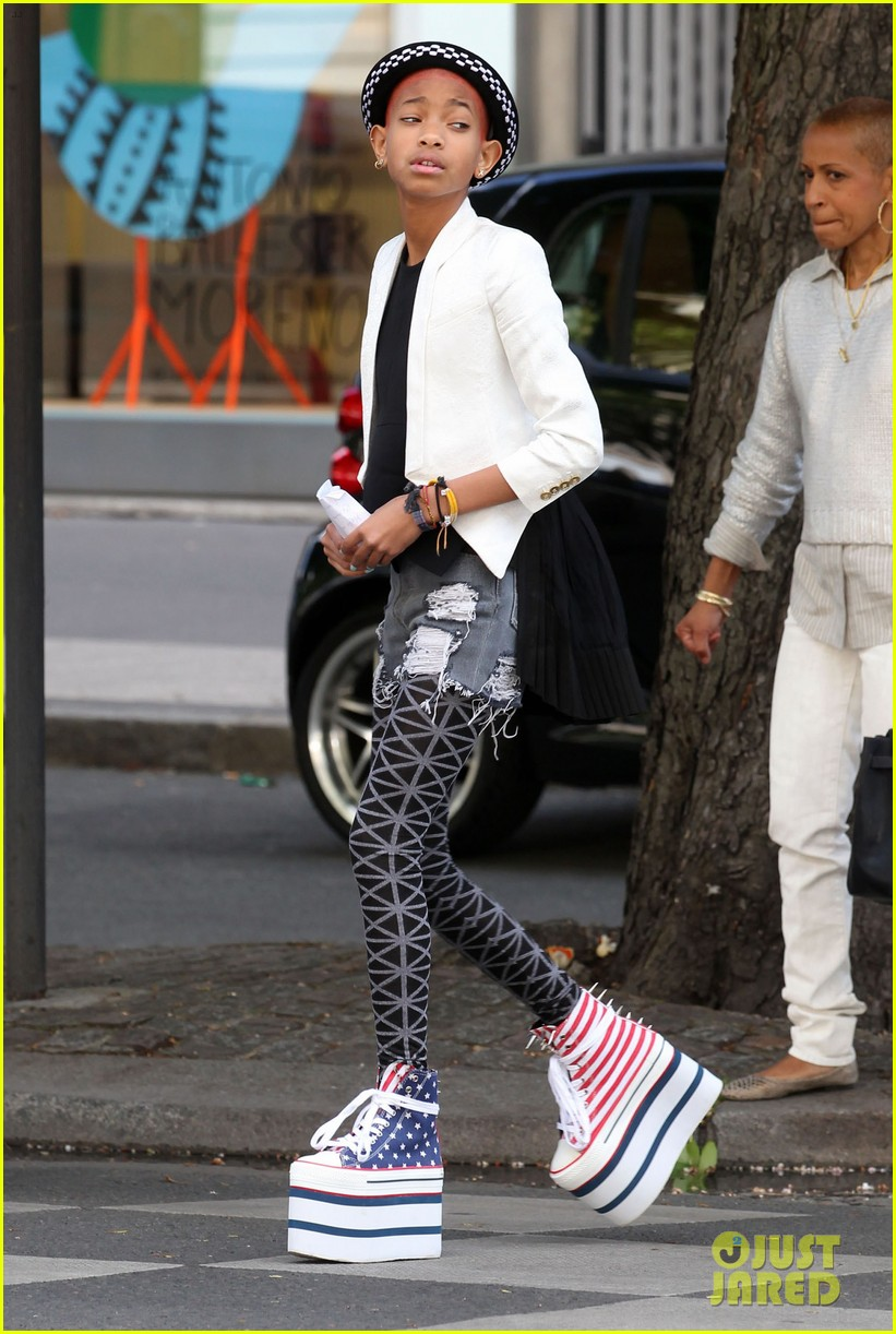 Willow Smith: Stars & Stripes Sky High Sneakers!: Photo 2661278 | Celebrity Babies, Jada Pinkett Smith, Will Smith, Willow Smith Pictures | Just Jared