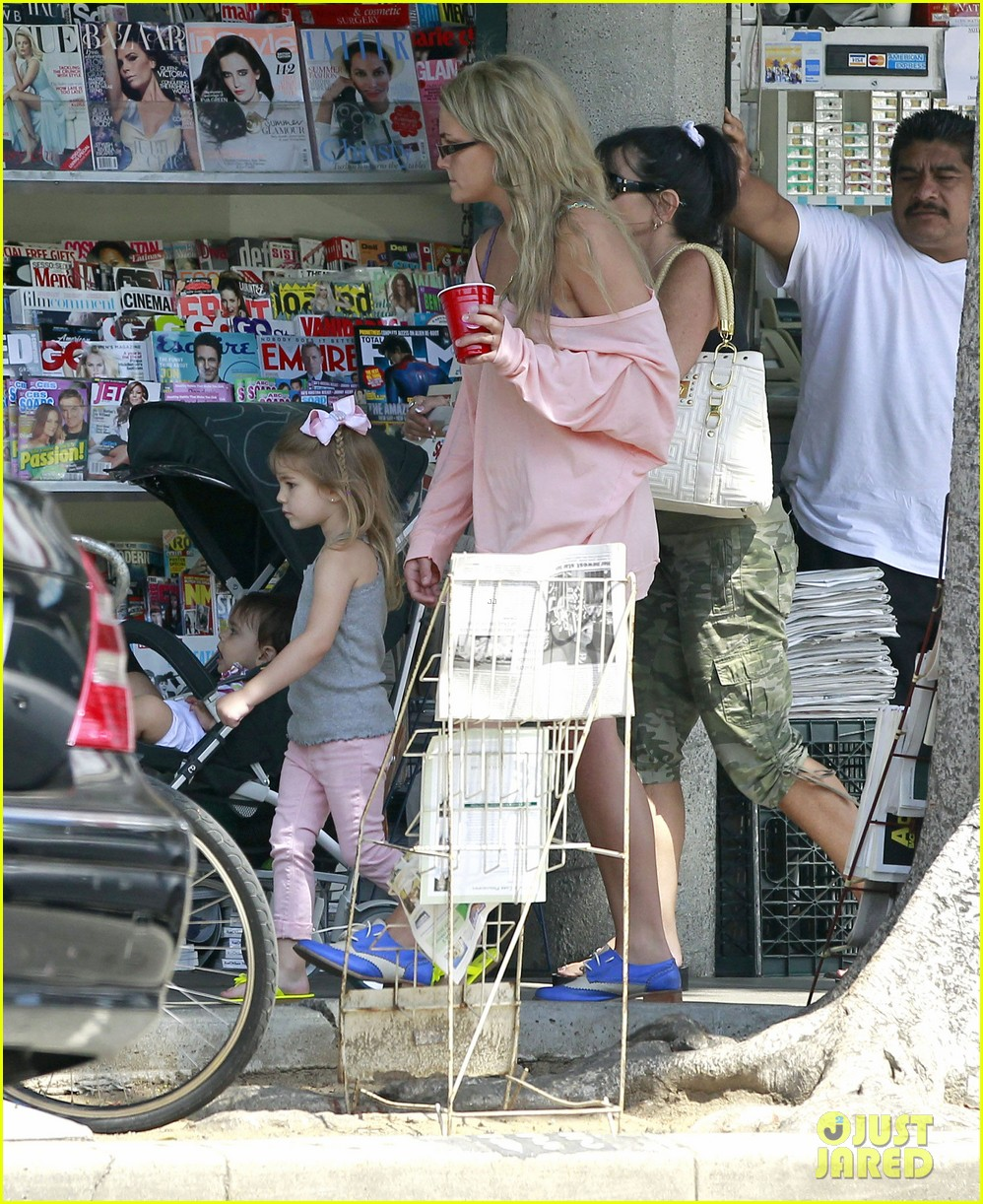 jamie lynn spears sunday family outing 15