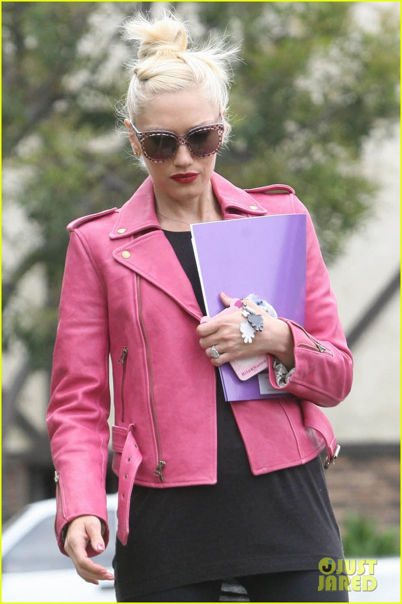 gwen stefani leaving office 06