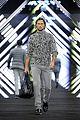 tilda swinton ryan phillippe boss fashion show in beijing 05