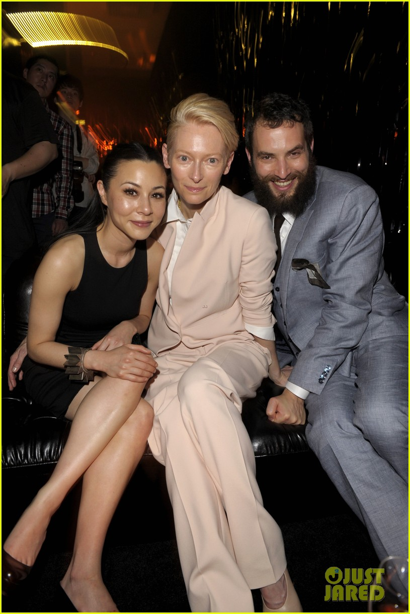 tilda swinton ryan phillippe boss fashion show in beijing 23