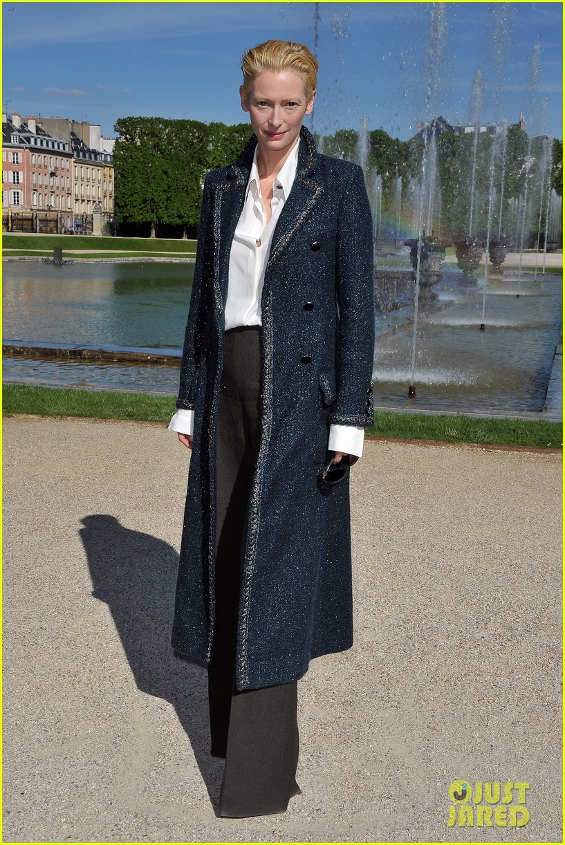 tilda swinton chanel cruise collection 052661957