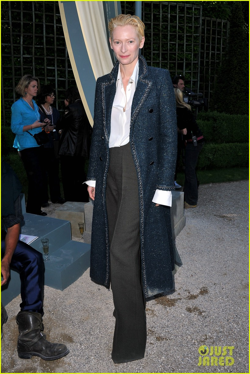 tilda swinton chanel cruise collection 082661960
