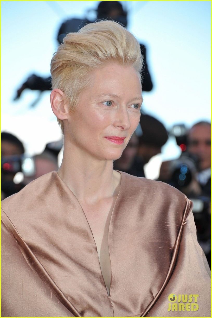 tilda swinton bruce willis moonrise kingdom premiere cannes 09