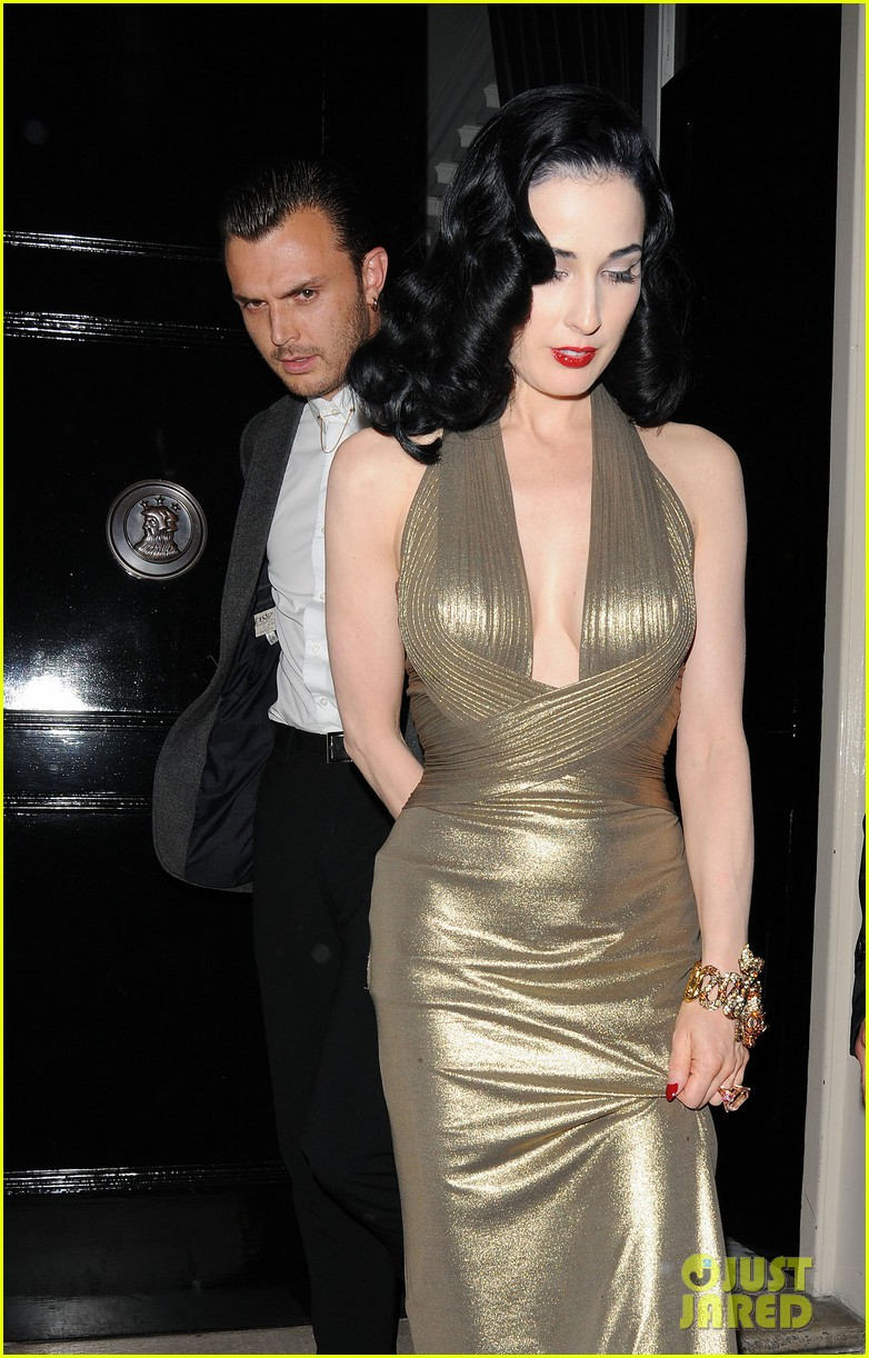 dita von teese the arts club with theo hutchcraft 09