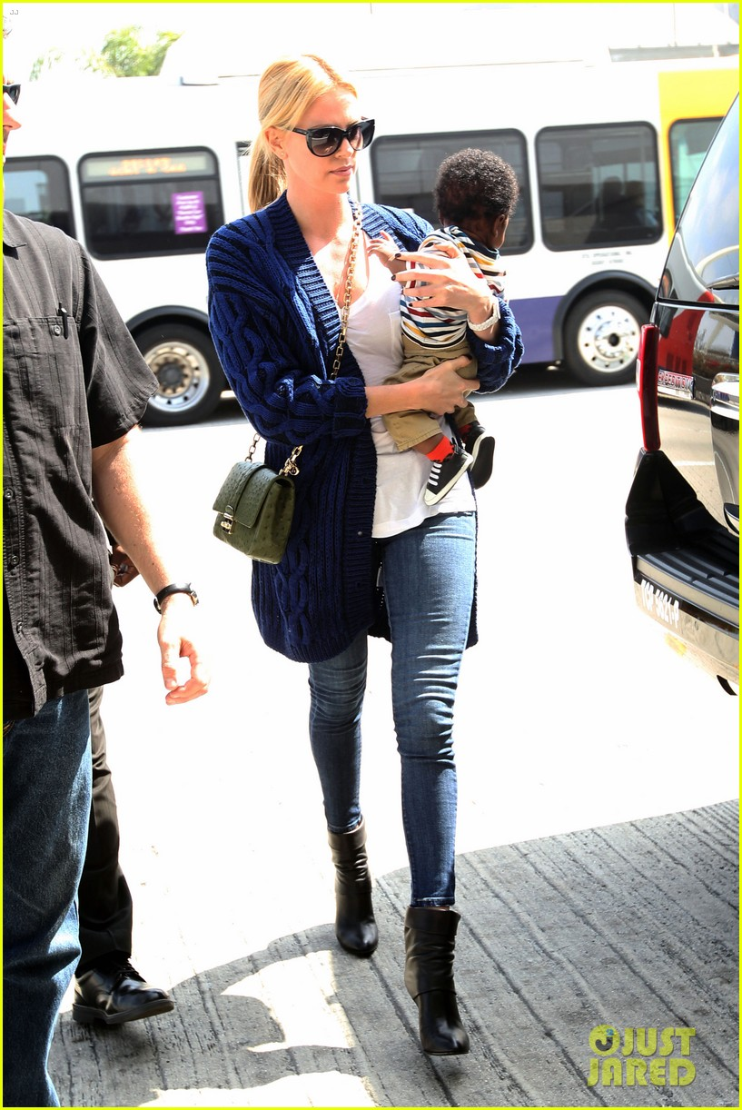 charlize theron baby jackson first pics 03